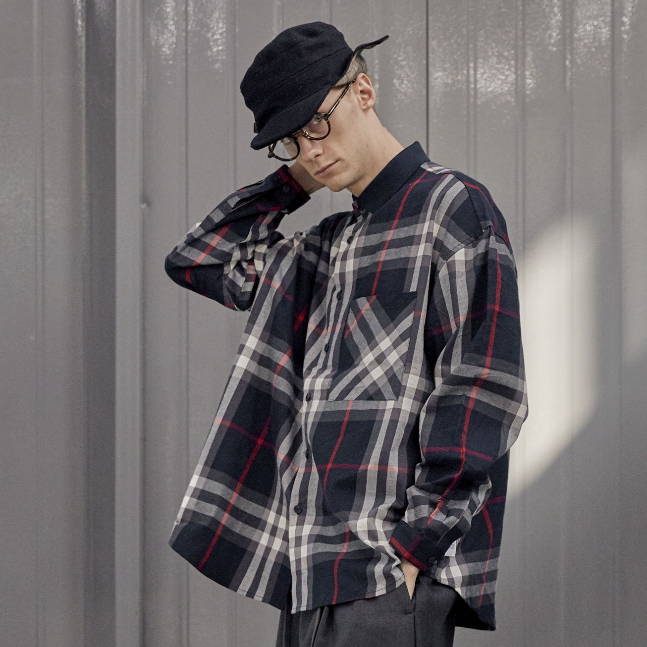 데일리인 LOBBY BOY SPORTS COLLAR FLANNEL OVERSIZED SHIRT_Navy Check