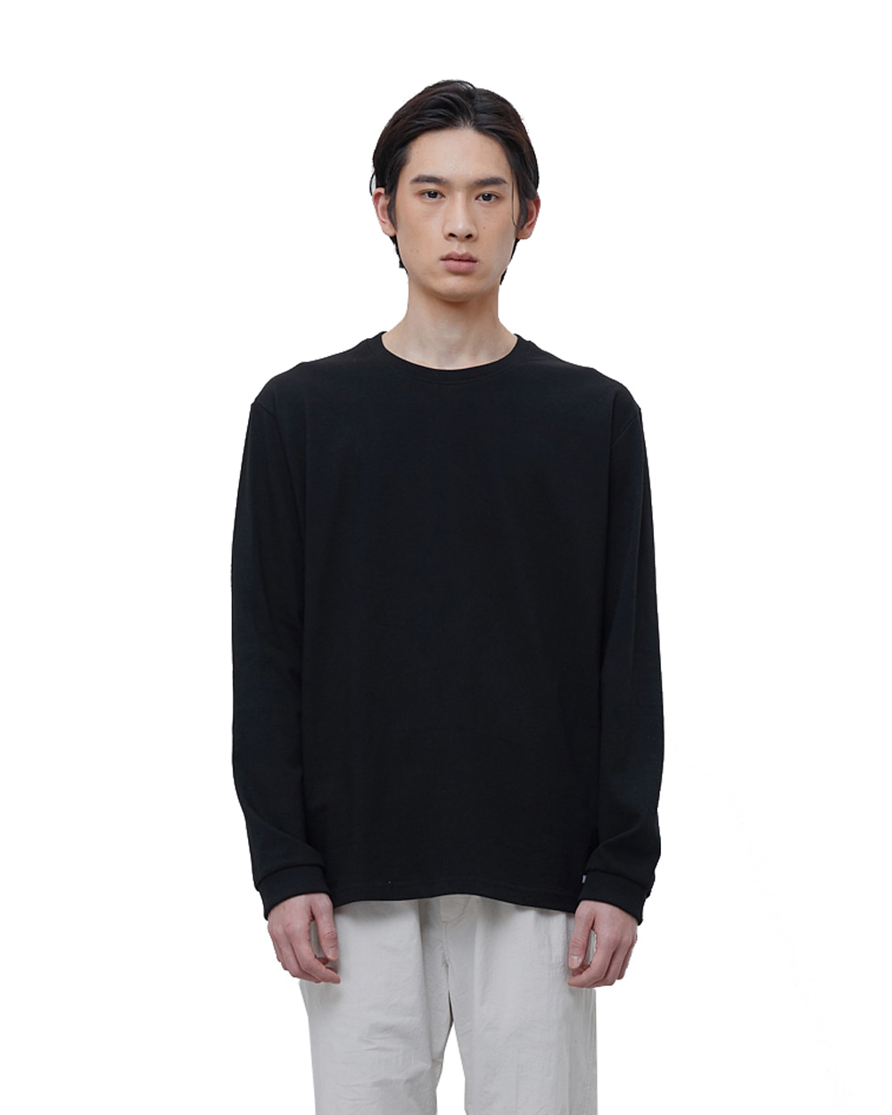 에이카화이트 FINEST COTTON LONG SLEEVE TEE (Black)